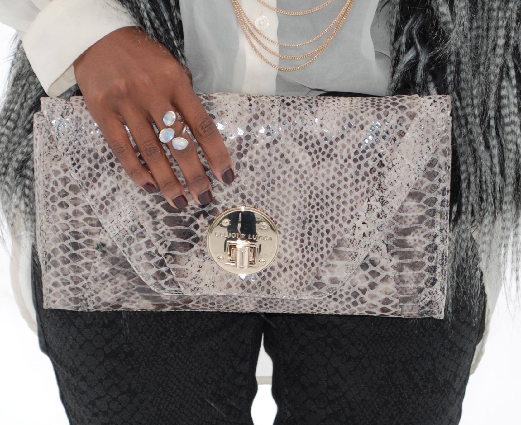 purse shot
